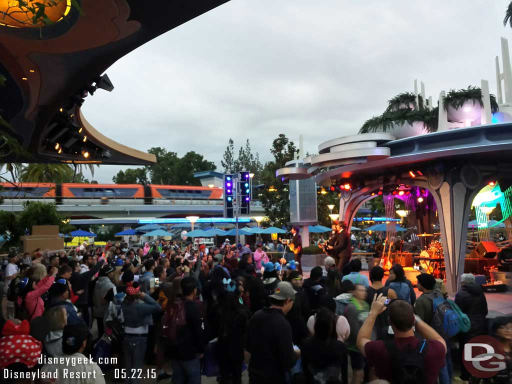 Tomorrowland Terrace crowd for the first Hard Day's Night set #Disneyland60