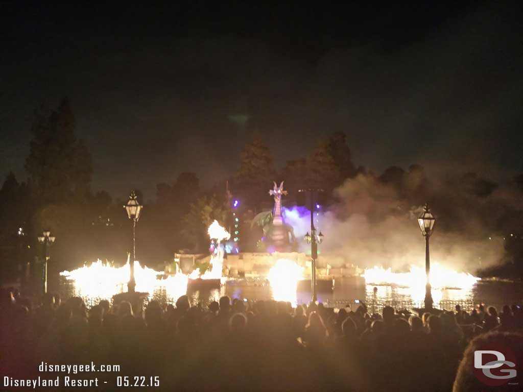 "My ""preshow"" for #Disneyland Forever tonight.. #Fantasmic"