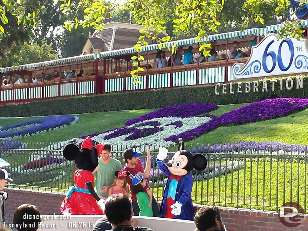 A closer look at the filming at the entrance to #Disneyland featuring Mickey & Minnie