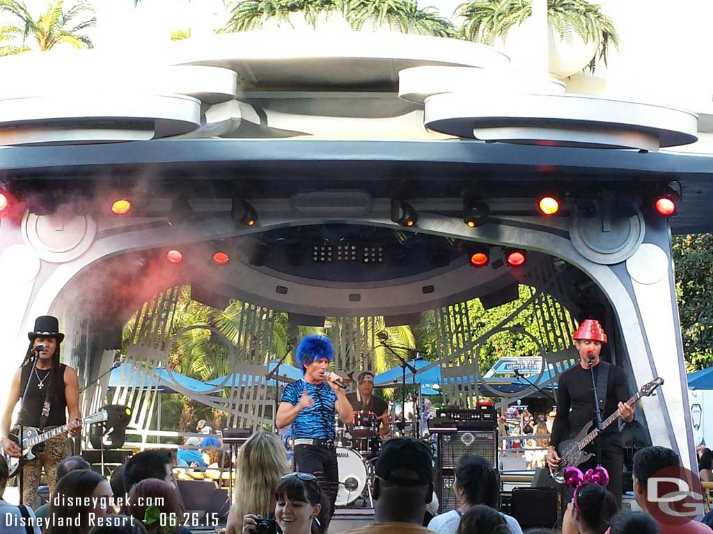 80z All Stars at Tomorrowland Terrace tonight #Disneyland