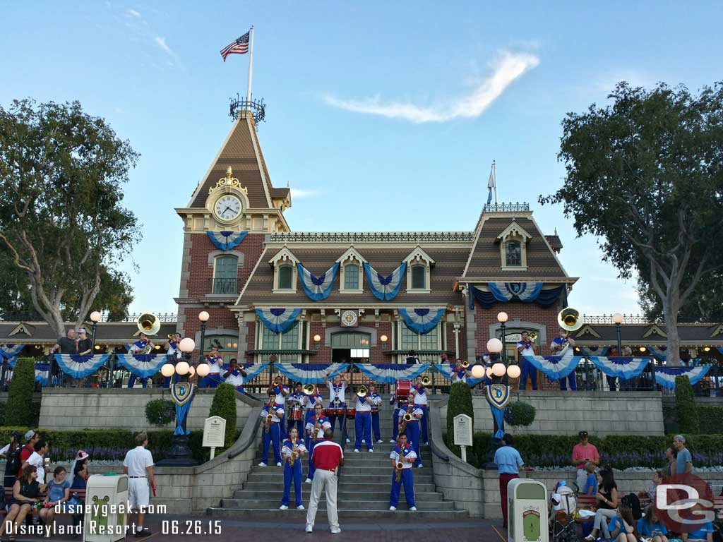 #Disneyland Resort All-American College Band at the Train Station