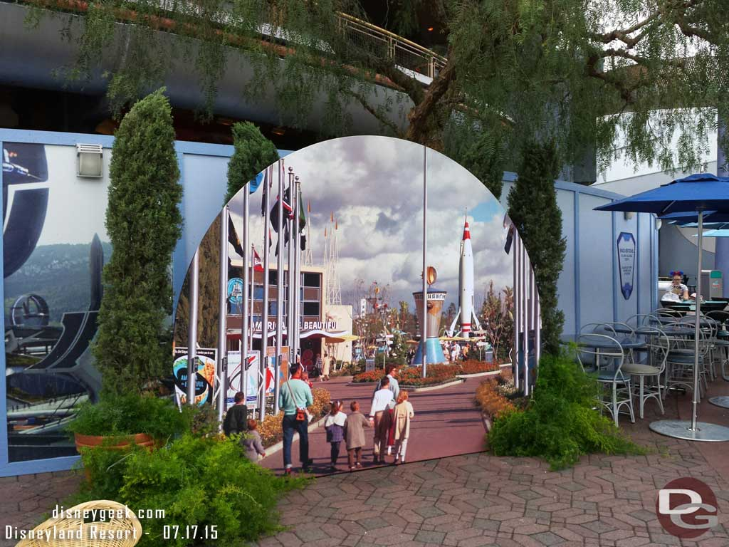 #Disneyland60 Photo spot in Tomorrowland for today