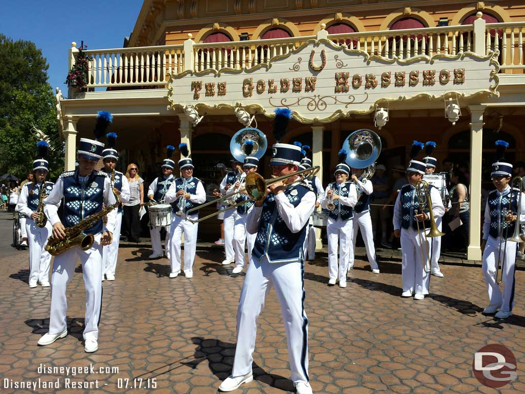 #Disneyland Band 3:05 set in Frontierland