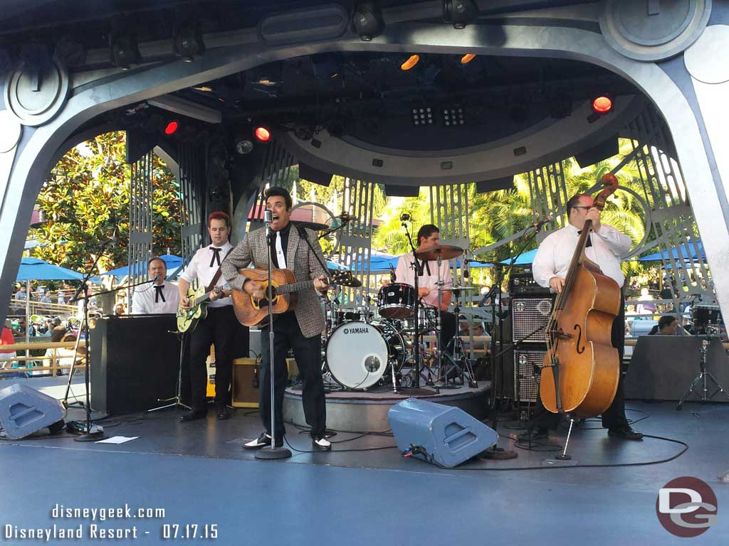 Elvis, Scot Bruce, is at Tomorrowland Terrace tonight #Disneyland60