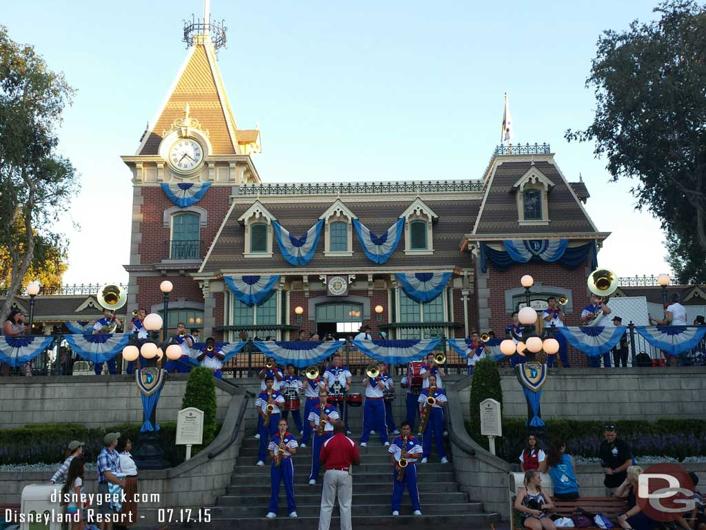 #Disneyland All-American College Band at the Train Station #aacb