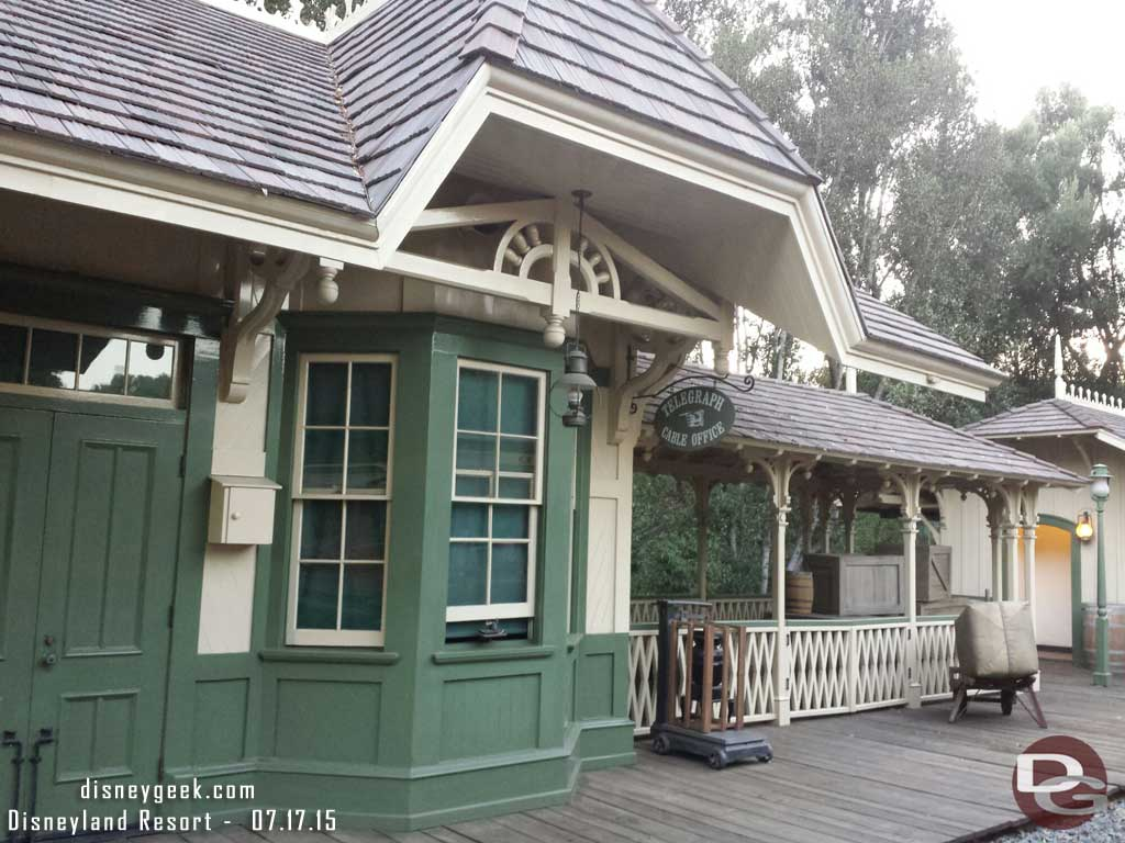 1st #Disneyland attraction of the day for me, the #Disneyland Railroad