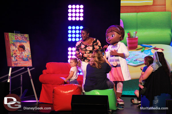 Disney Junior Story Time at D23 Expo (Daynah Discoveries)