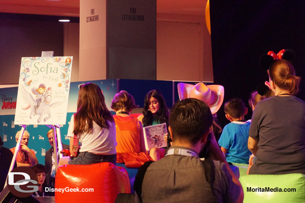 Ariel Winter the Voice of Sofia the First Reads to Children