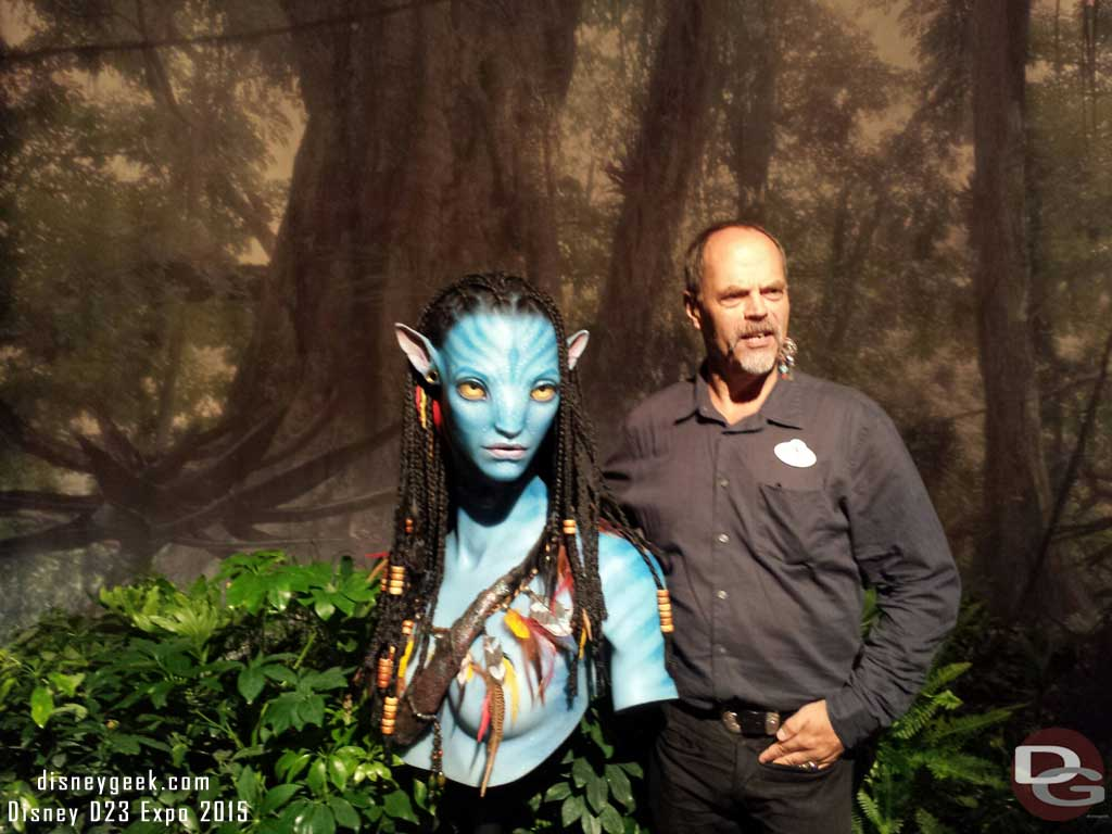 Joe Rohde and a Na'vi #D23Expo