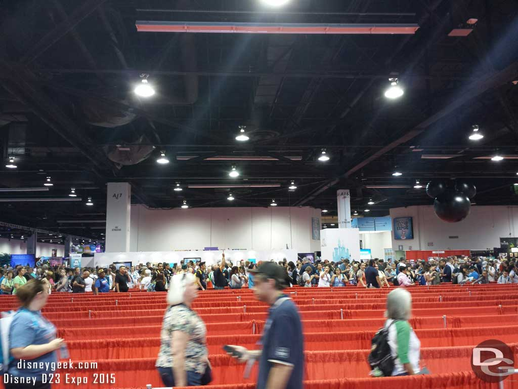 This morning the storepass line is long, StagePass not so bad #D23Expo
