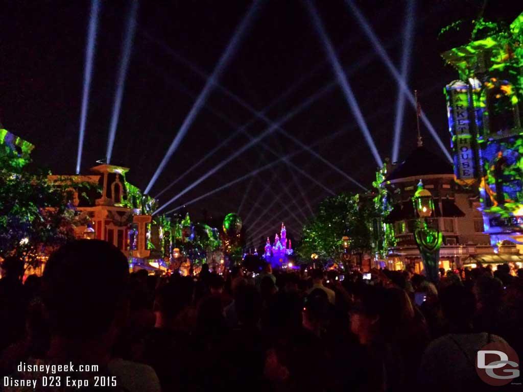 #DisneylandForever to wrap up my evening #Disneyland60