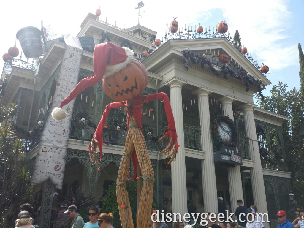 Haunted Mansion Holiday opened today 30 min wait & FastPass available as of 2:30pm #Halloween #Disneyland