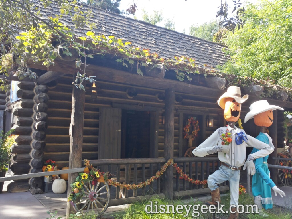 Big Thunder Ranch is decorated for #Halloween but no carnival or Jamboree this year #Disneyland