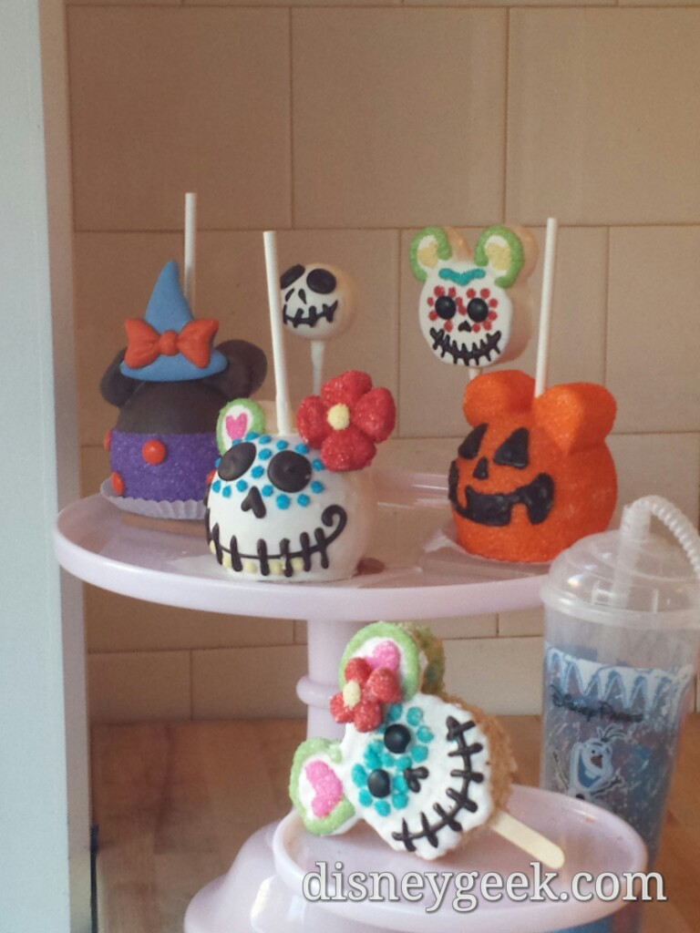 #Halloween treats @ Trolley Treats #BuenaVistaStreet