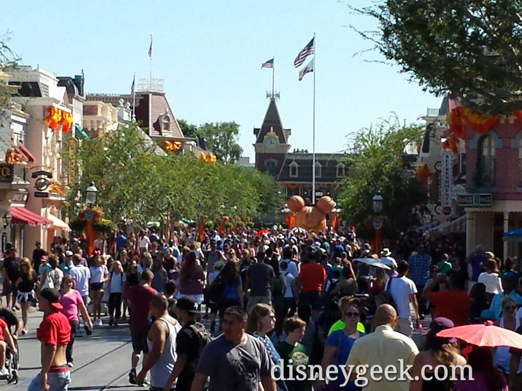 Main Street USA looking toward Town Square #Disneyland
