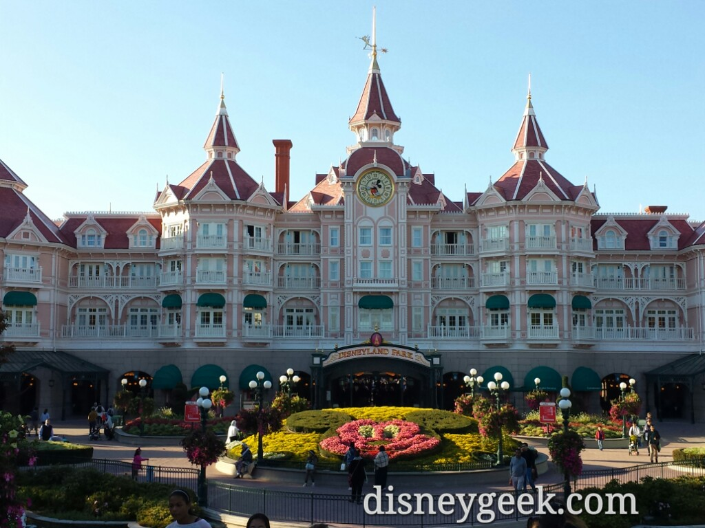 #DisneylandHotel marks the entrance to #DisneylandParis