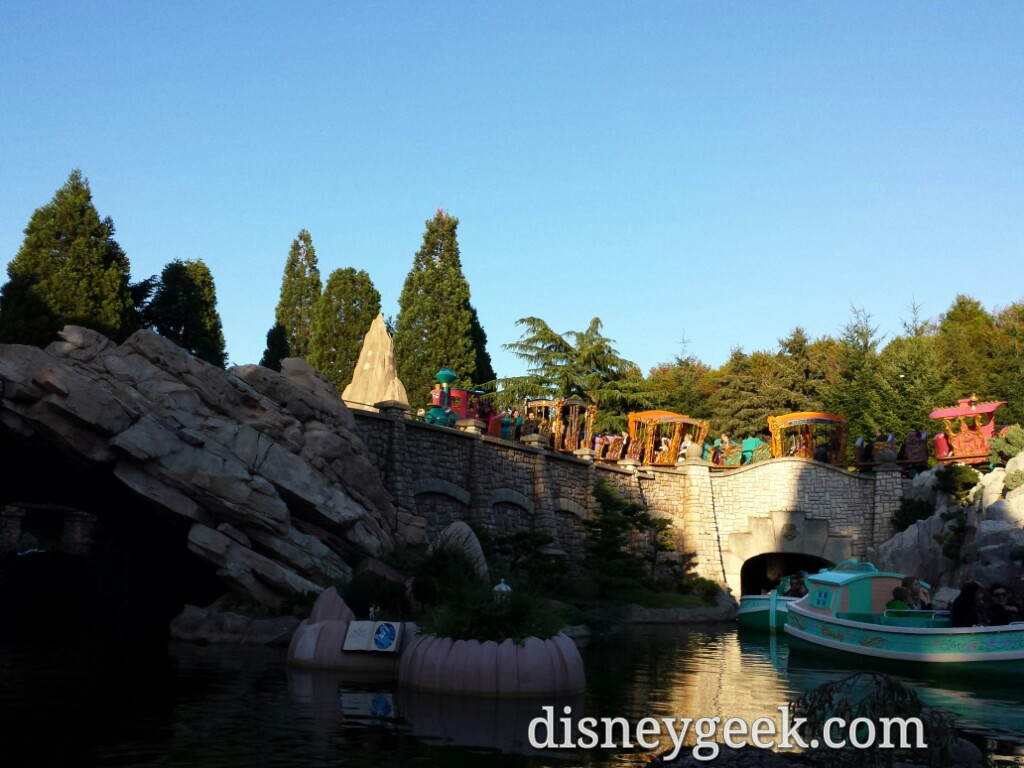 Casey Jr circling the area #DisneylandParis