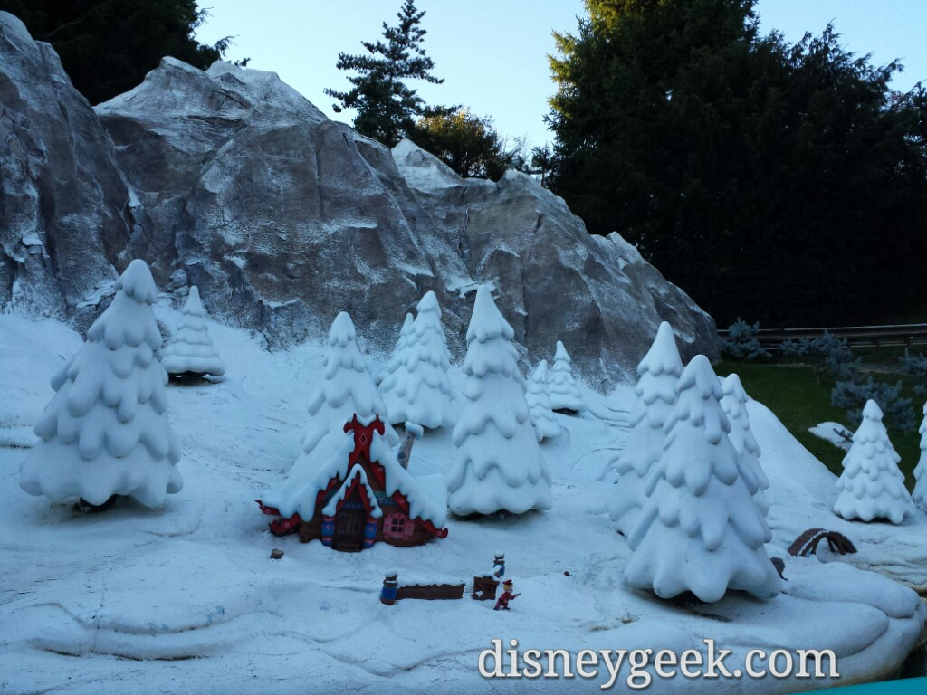 Wow snow and no #Frozen #DisneylandParis