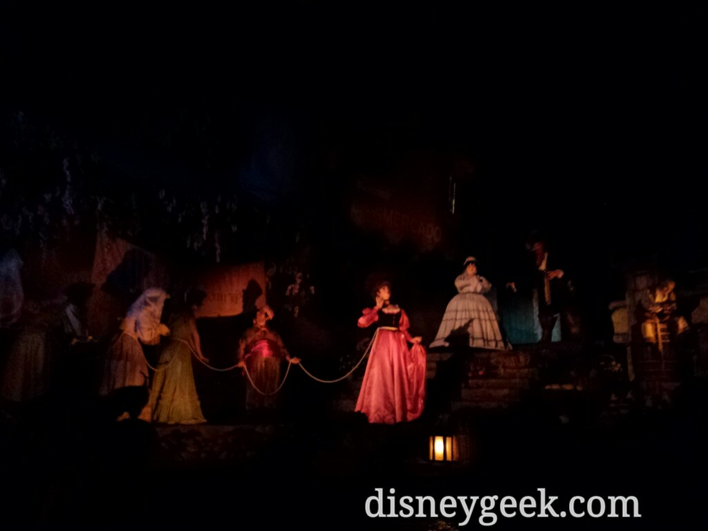 A familiar scene in Pirates of the Caribbean #DisneylandParis