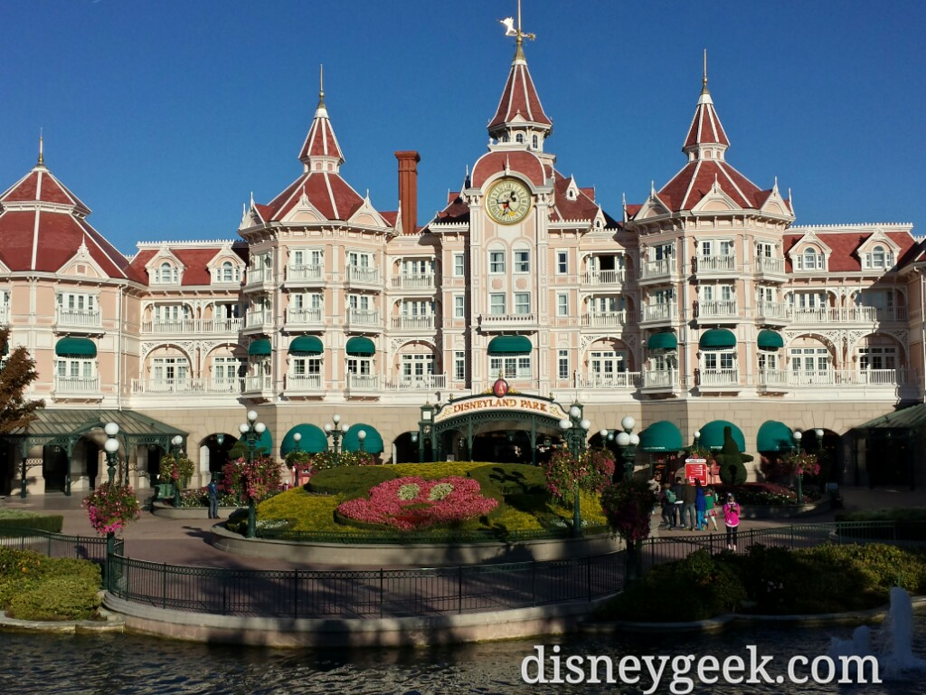 Arriving at #Disneyland Park #DisneylandParis