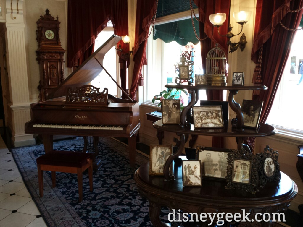 Walt's Restaurant first floor reception area #DisneylandParis