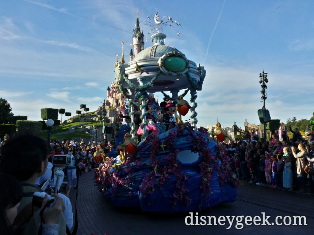 Disney Magic on Parade final float #DisneylandParis