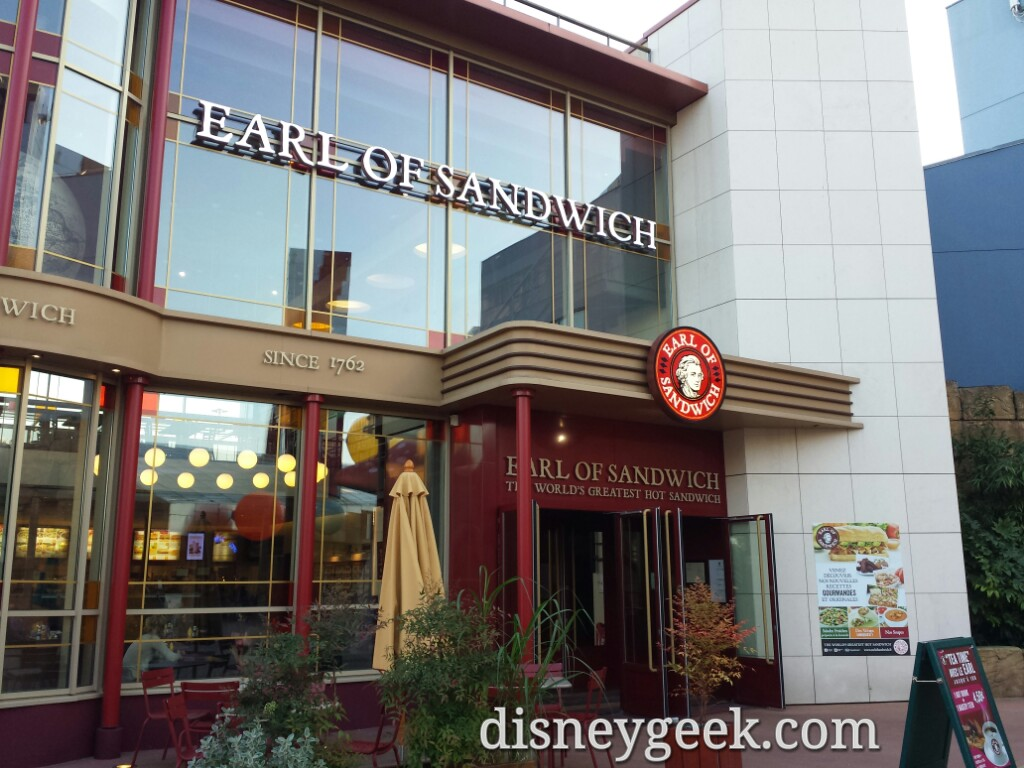 Heading to dinner and passed Earl of Sandwich &  @mousesteps jumped to mind
