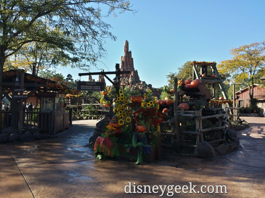 Frontierland #Halloween decorations #DisneylandParis