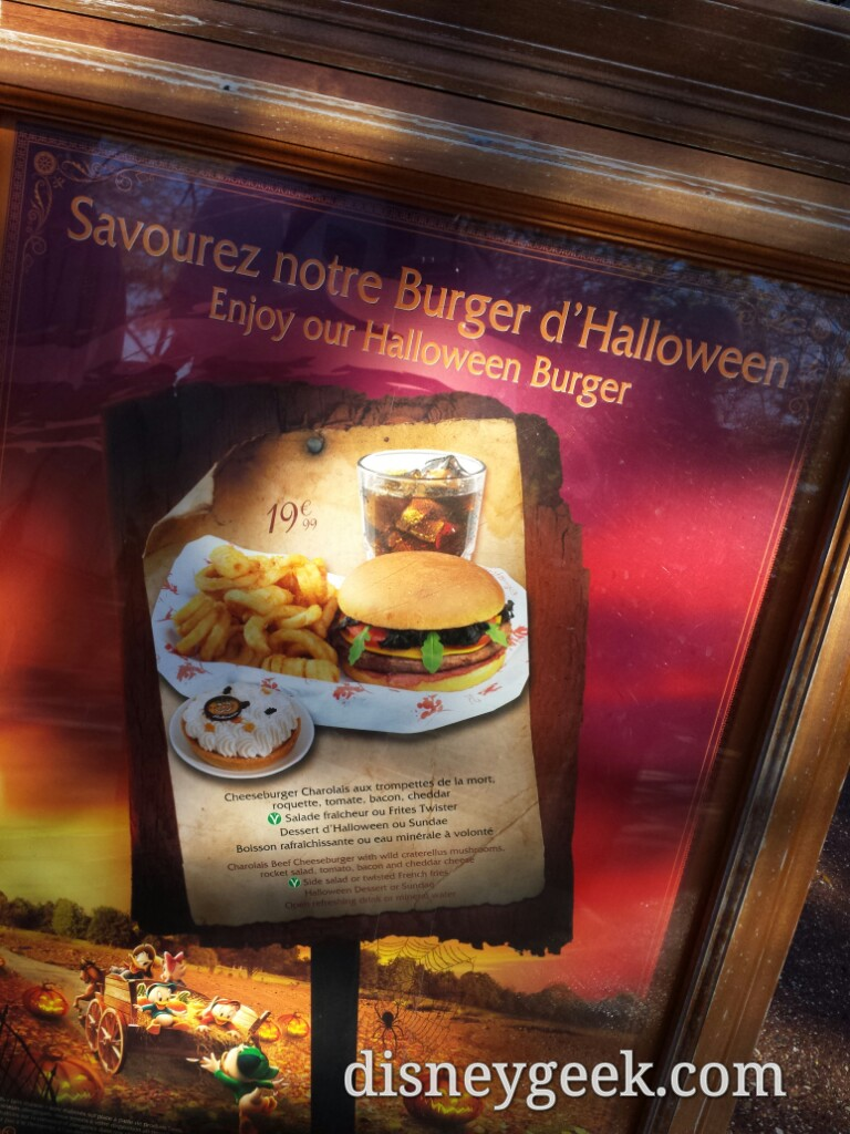 #Halloween burger at the Lucky Nugget #DisneylandParis