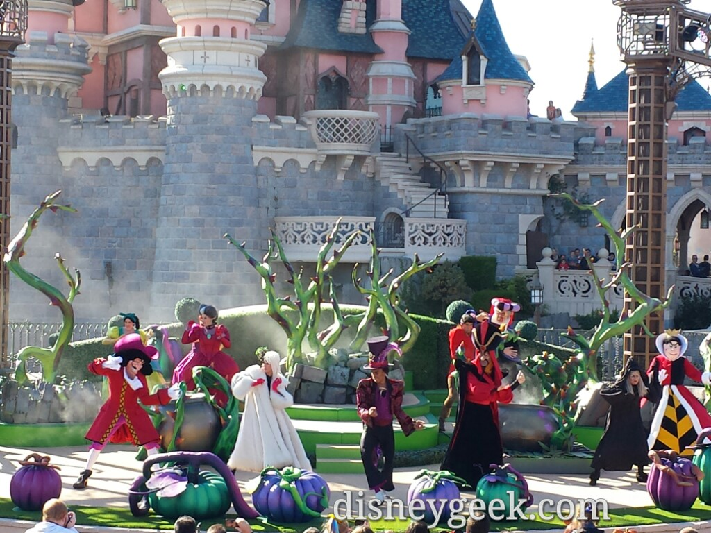 It's Good to be bad with Disney Villains #DisneylandParis #Halloween