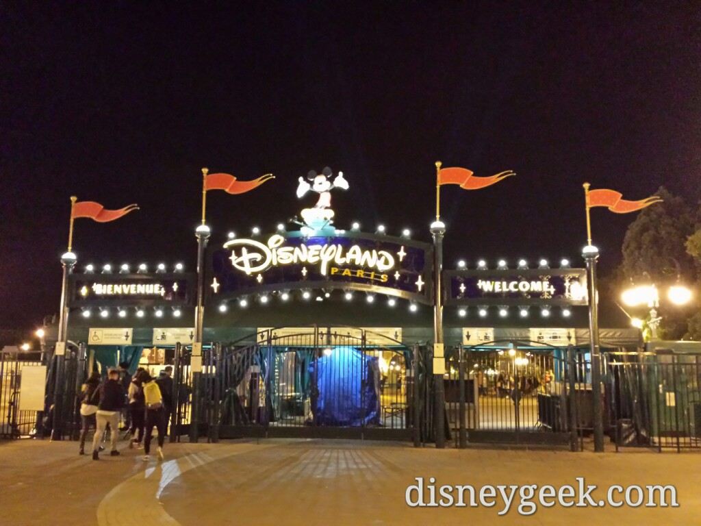 10:51pm back to #DisneylandParis it was a long day but worth it