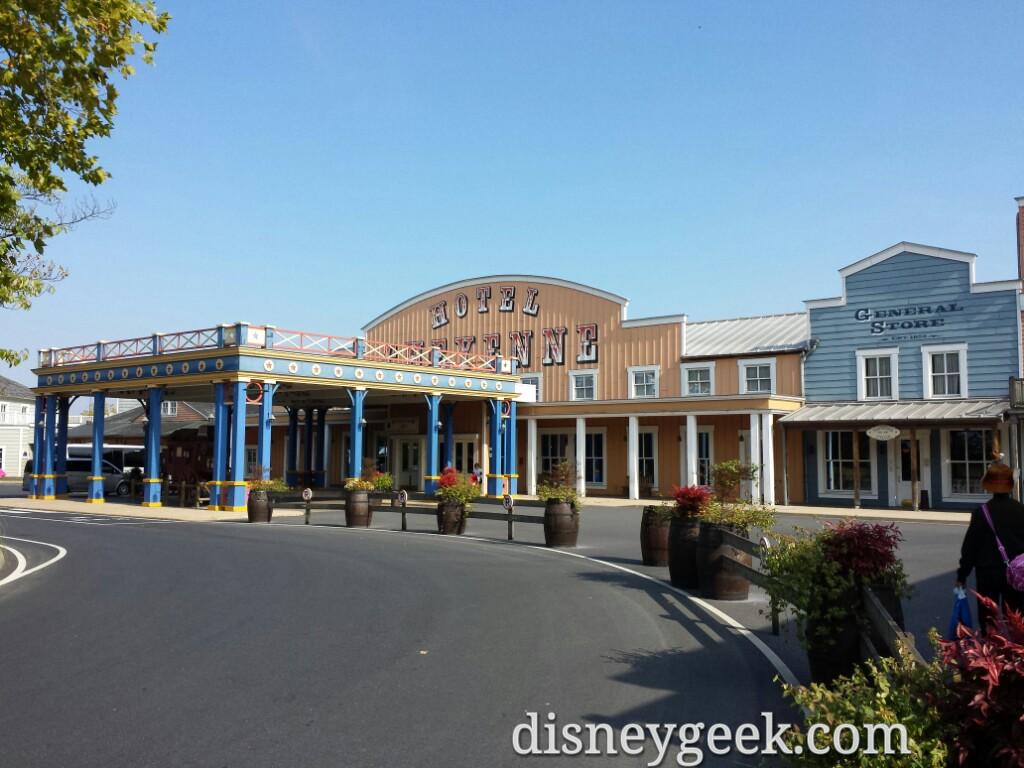 Disney's Hotel Cheyenne entrance #DisneylandParis