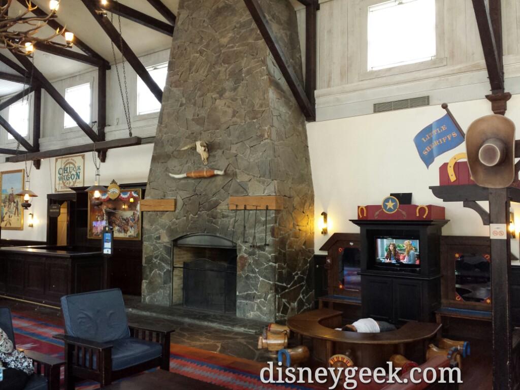 Hotel Cheyenne lobby #DisneylandParis