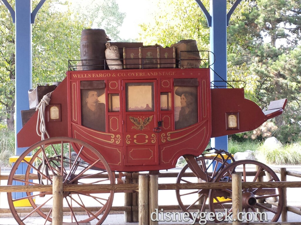 A stagecoach at Hotel Cheyenne #DisneylandParis