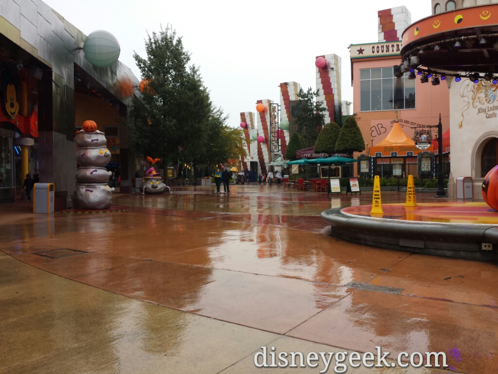 Walking through the #DisneyVillage as the rain is falling #DisneylandParis