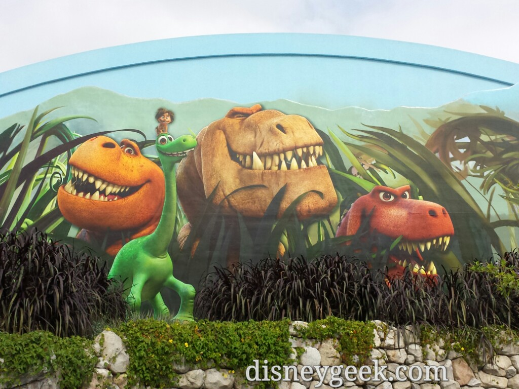 The Good Dinosaur sneak peek has moved into the Bugs Theater