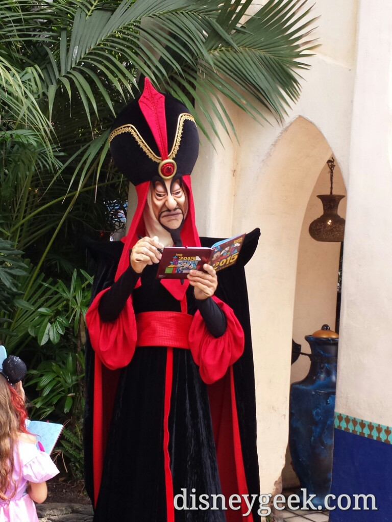 Jafar in Adventureland this afternoon #Disneyland