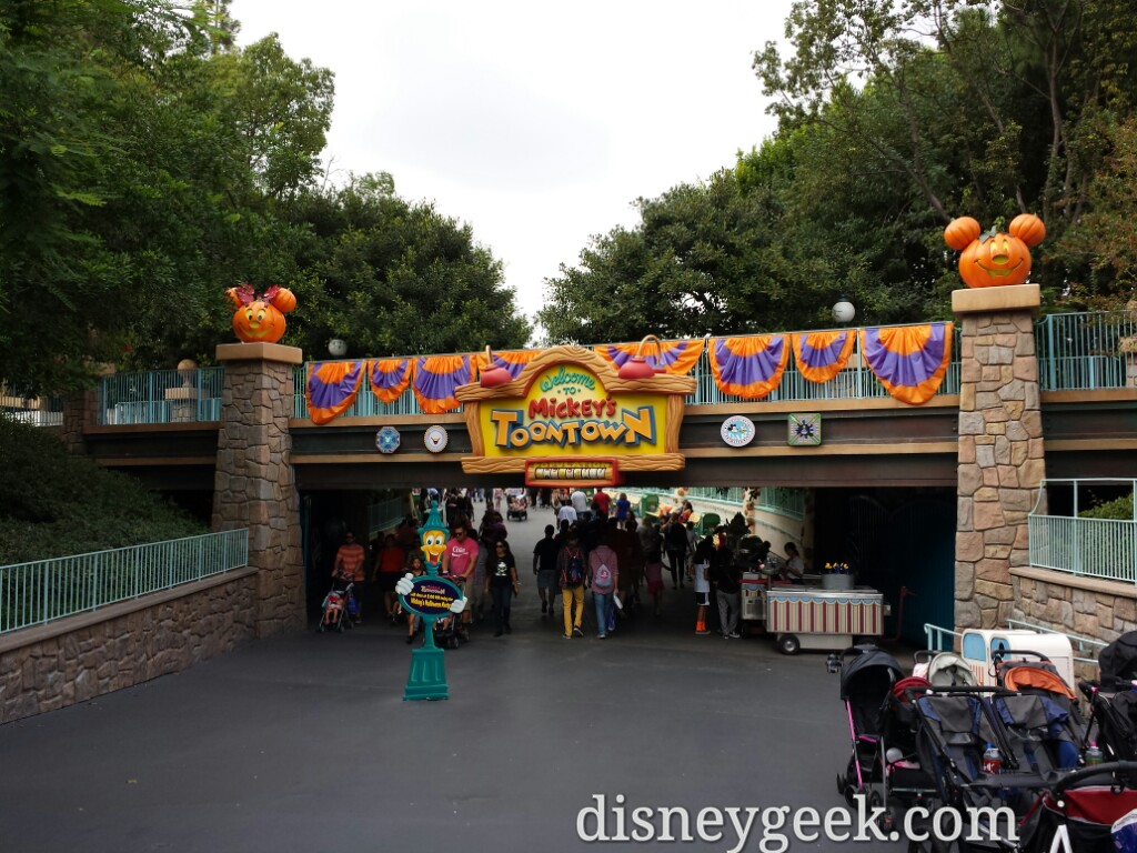 Toontown is used as a kickoff location for the #Halloween party so it closes at 5pm for day guests