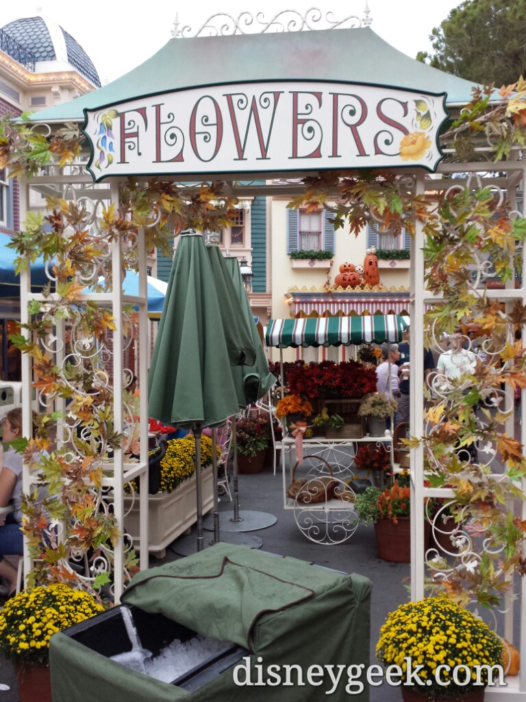 A Fall Flower Market off Main Street USA #Disneyland