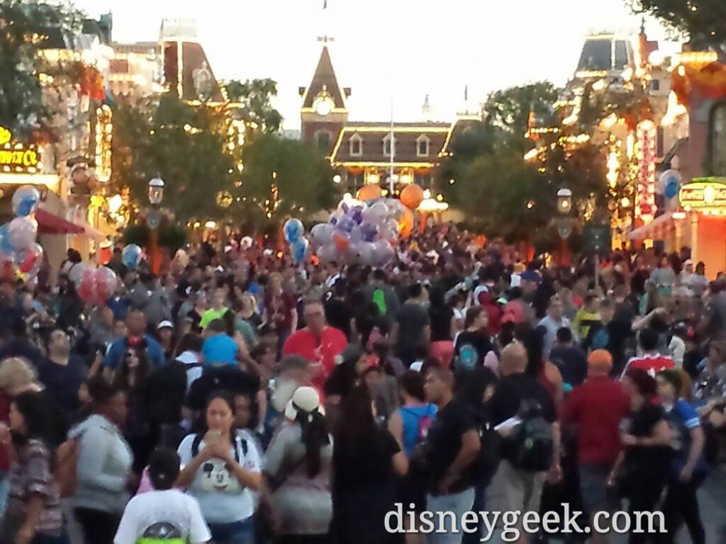 #Disneyland Main Street USA on a Friday night