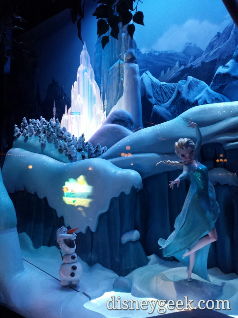 #Frozen Emporium Window – Elsa & Olaf #Disneyland