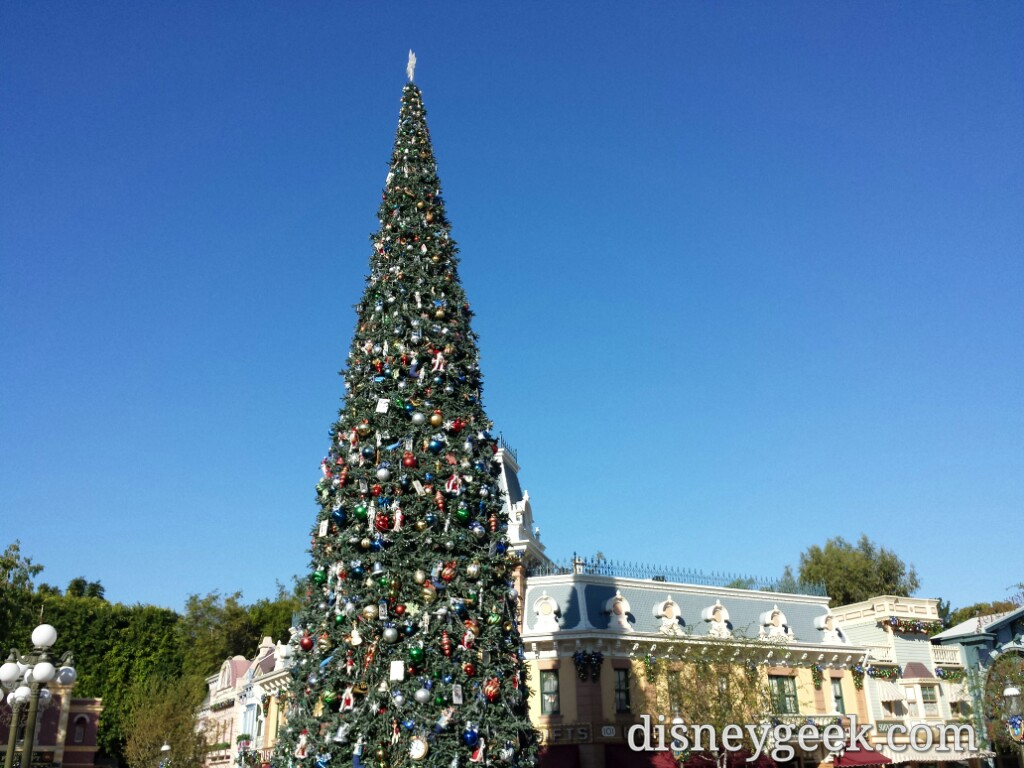 #Disneyland Main Street USA #Christmas tree