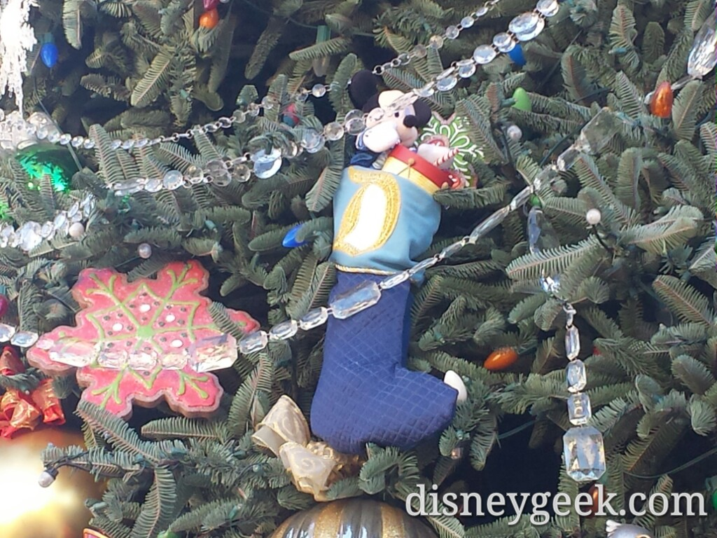 A closer look @ #Disneyland Main Street USA #Christmas tree
