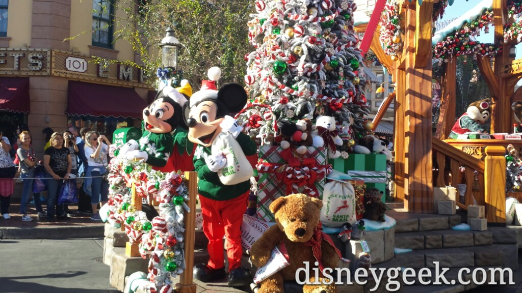 Mickey & Minnie in A Christmas Fantasy Parade #Disneyland