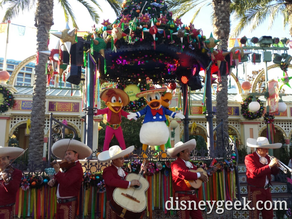 ¡Viva Navidad! Time at Disney California Adventure