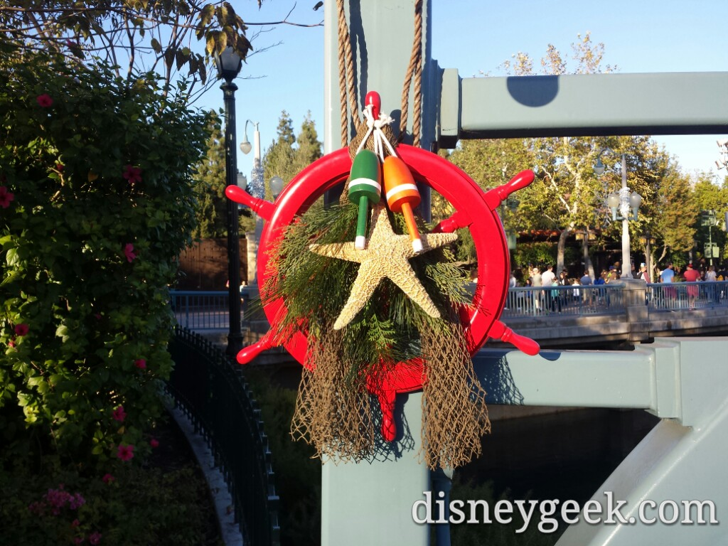 The Pacific Wharf received some new decorations this year #DisneyHolidays
