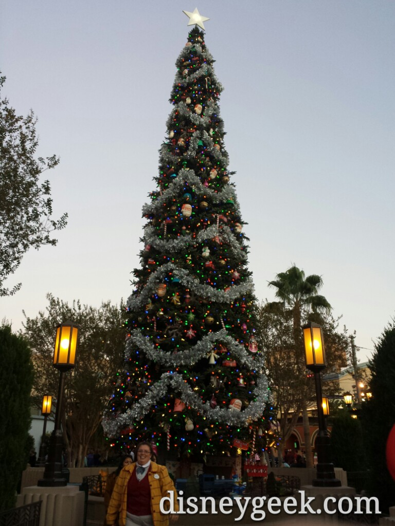 Oops the #BuenaVistaStreet tree was on before the lighting moment
