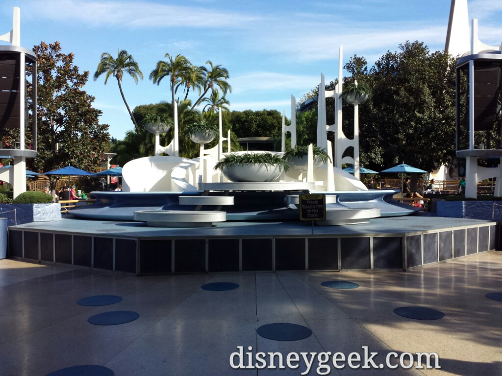 The Tomorrowland Terrace stage is uncovered and back in use #Disneyland