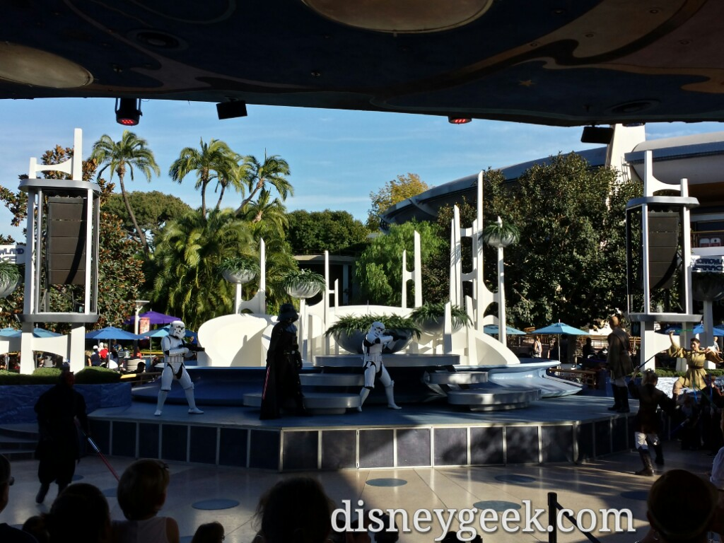 Jedi Training Academy has returned, the stage is not rising today & original show still #Disneyland