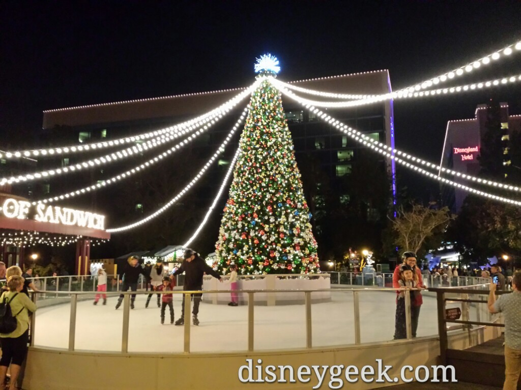 Olaf's ice rink is open in Downtown Disney #DisneyHolidays